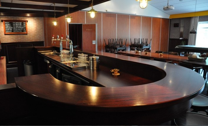 Keuken Design Emmeloord : Bar dorpshuis Langezwaag1 – Frederiks ...